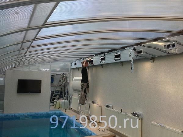 Приточно-вытяжная вентиляция в частном бассейне, монтаж воздуховодов произведен открытым способом, воздуховоды изготовлены и нержавеющей стали, фото