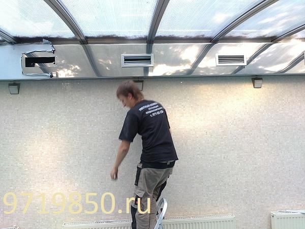 Вариант вентиляции бассейна, в котором не предусмотрено место для воздуховодов, фото