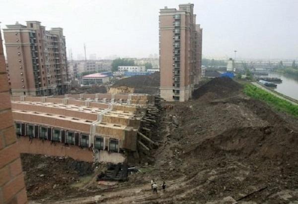 В из-за кондиционера Китае упал многоэтажный дом